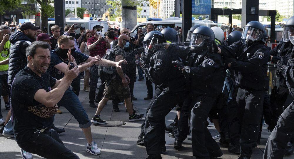 Proteste contro le misure anti-COVID a Berlino