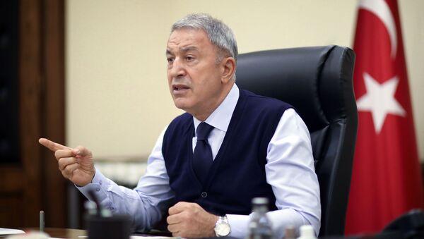 Il ministro della Difesa della Turchia Hulusi Akar, - Sputnik Italia
