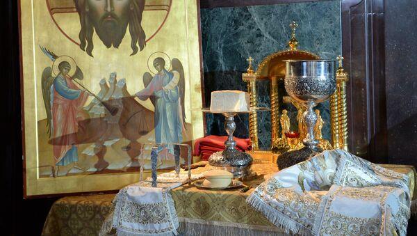Vin santo in chiesa - Sputnik Italia