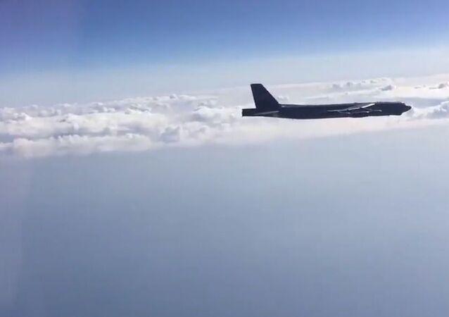 Aereo americano B-52H intercettato da caccia russi nel Mar Nero (foto d'archivio)