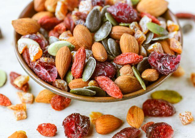 Frutta secca e noci