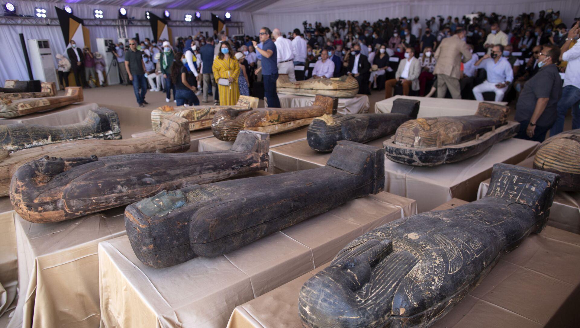 Обнаруженные 59 саркофагов с мумиями в Египте - Sputnik Italia, 1920, 03.04.2021