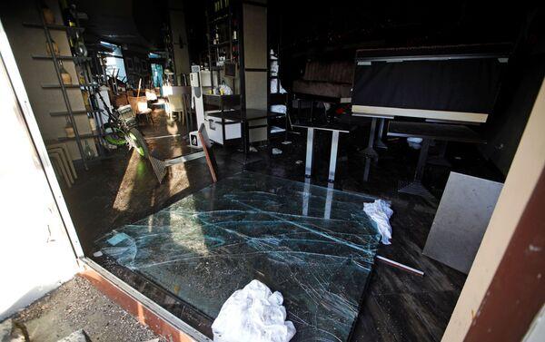 Maltempo a Napoli: un ristorante distrutto da una violenta mareggiata - Sputnik Italia