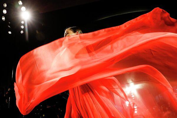 È meglio non scegliere il colore rosso per non infastidire il Bufalo - Sputnik Italia