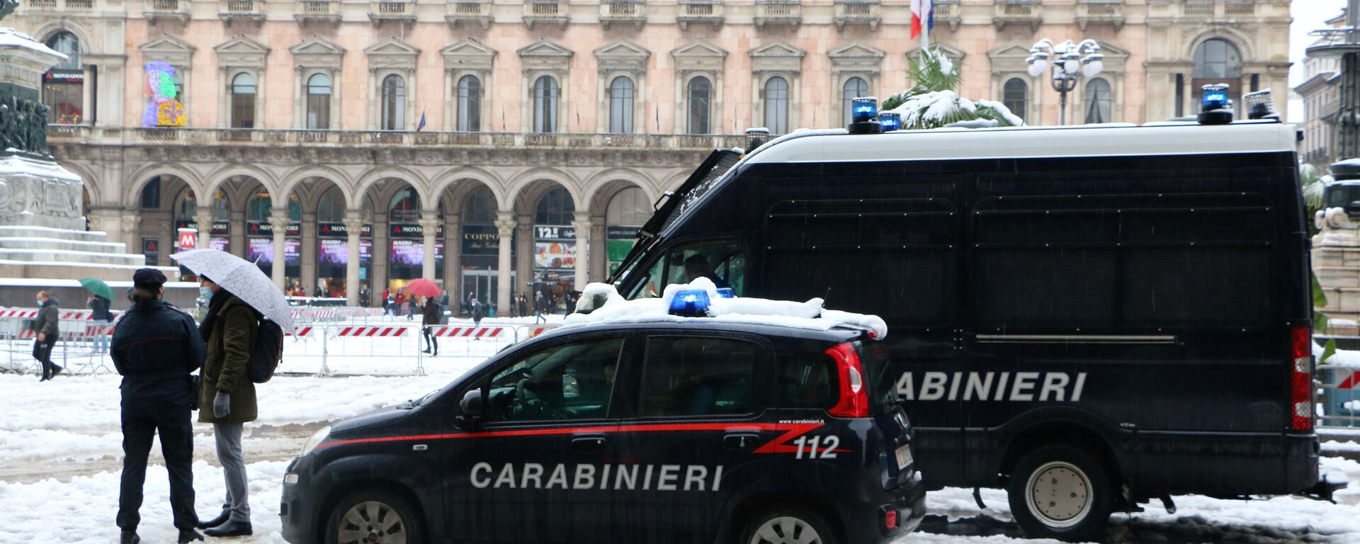 Carabinieri a Milano - Sputnik Italia, 1920, 16.01.2021