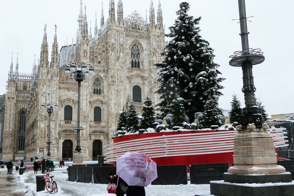 Milano durante le feste natalizie - Sputnik Italia