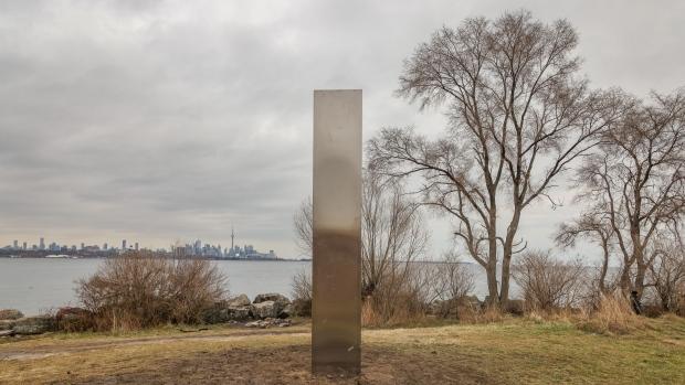 Toronto monolite misterioso