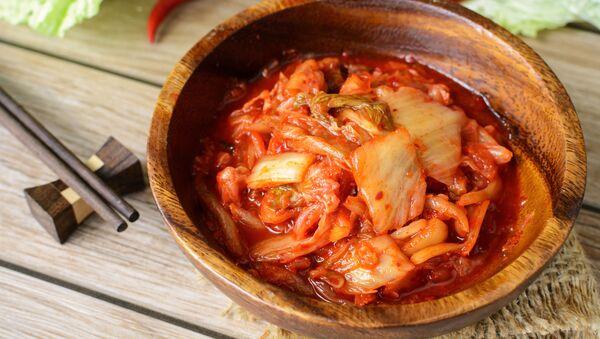 Блюдо традиционной корейской кухни кимчи - Sputnik Italia
