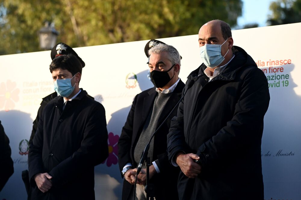 Il Ministro della Salute Roberto Speranza, il commissario straordinario Domenico Arcuri e Nicola Zingaretti, presidente della regione Lazio