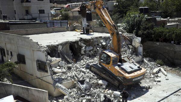 Mezzi israeliani demoliscono una casa di proprietà palestinese a Gerusalemme Est - 21 agosto 2019 - Sputnik Italia