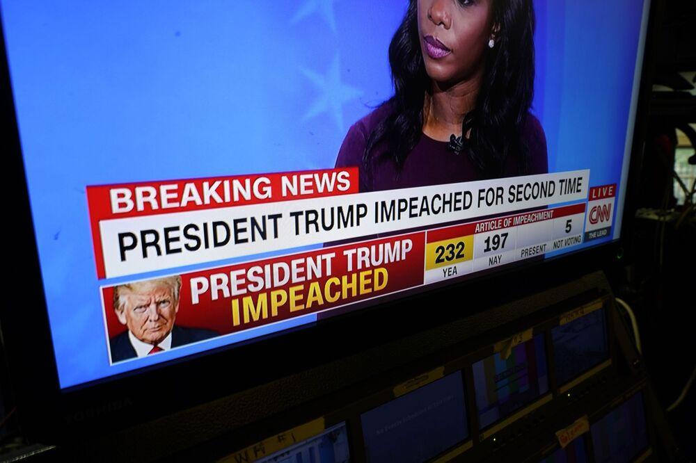 Trasmissione di notizie sull'impeachment del presidente degli Stati Uniti Donald Trump alla Casa Bianca