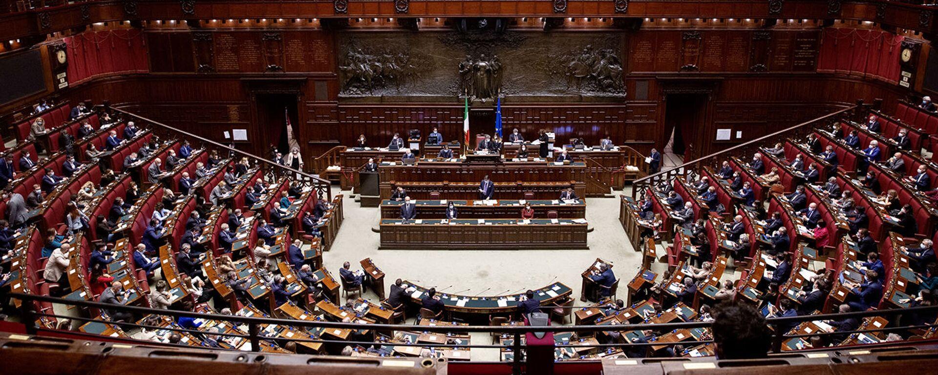 Camera dei Deputati, 02/11/2020 - L'aula nel corso delle comunicazioni del Presidente Conte.  - Sputnik Italia, 1920, 14.07.2021