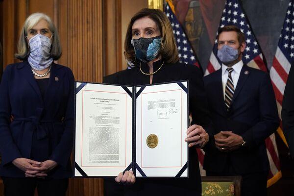Nancy Pelosi nel corso della presentazione dell'impeachment contro il presidente in carica Donald Trump, Washington, USA.  - Sputnik Italia