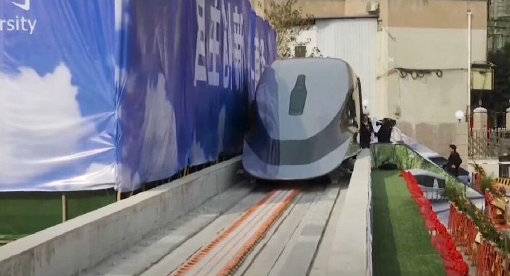 Un treno maglev cinese