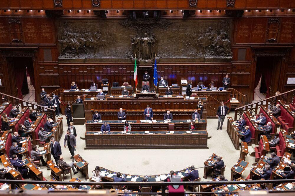 Camera dei Deputati, le Comunicazioni del Presidente Conte in vista del Consiglio europeo del 10-11 dicembre