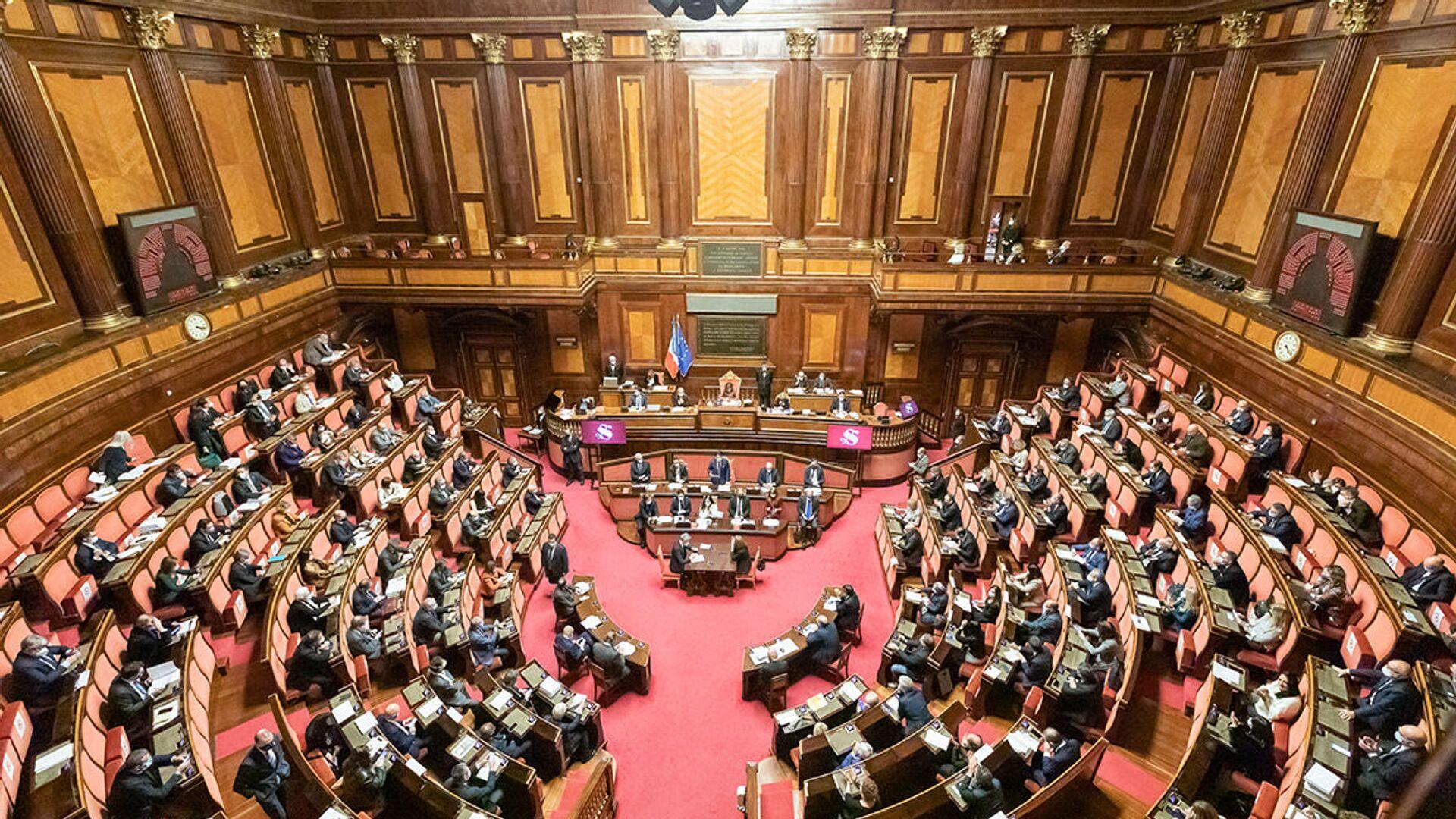 Senato della Repubblica, le Comunicazioni del Presidente Conte in vista del Consiglio europeo del 10-11 dicembre - Sputnik Italia, 1920, 21.07.2021