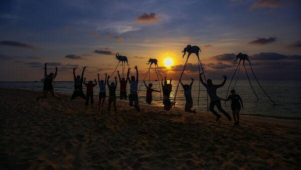 Turisti in spiaggia nel Vietnam - Sputnik Italia