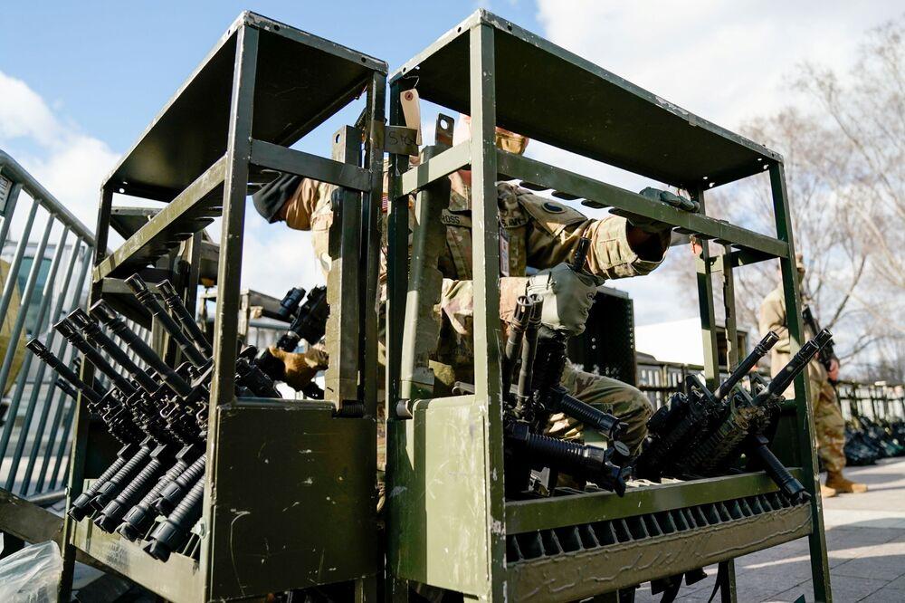 Militari della Guardia Nazionale a Washington, USA