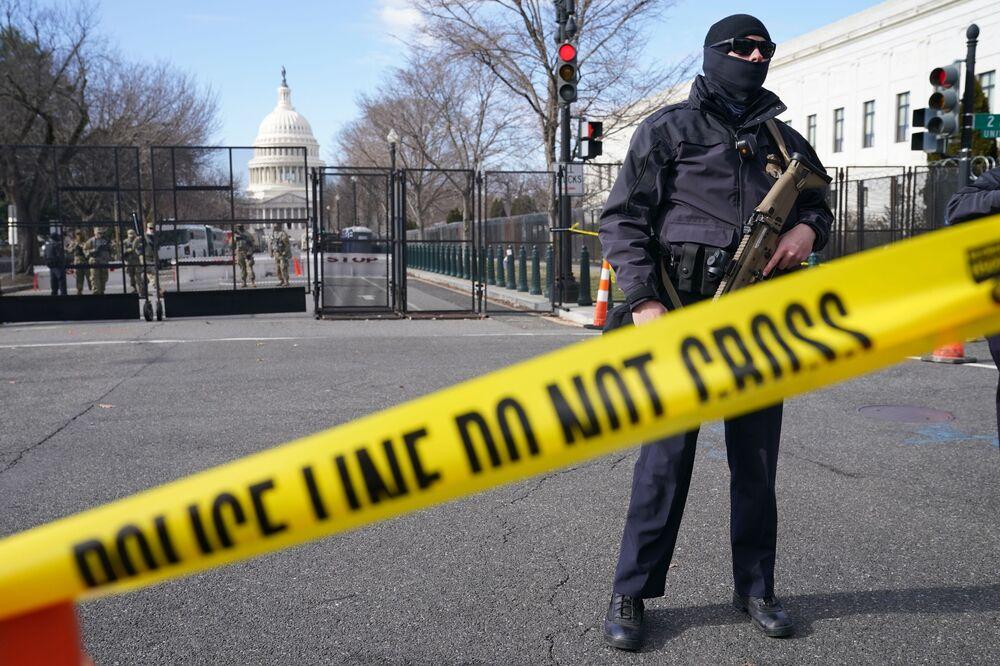 La sicurezza è aumentata intorno al Campidoglio in vista dell'inaugurazione del presidente eletto Joe Biden, Washington, USA