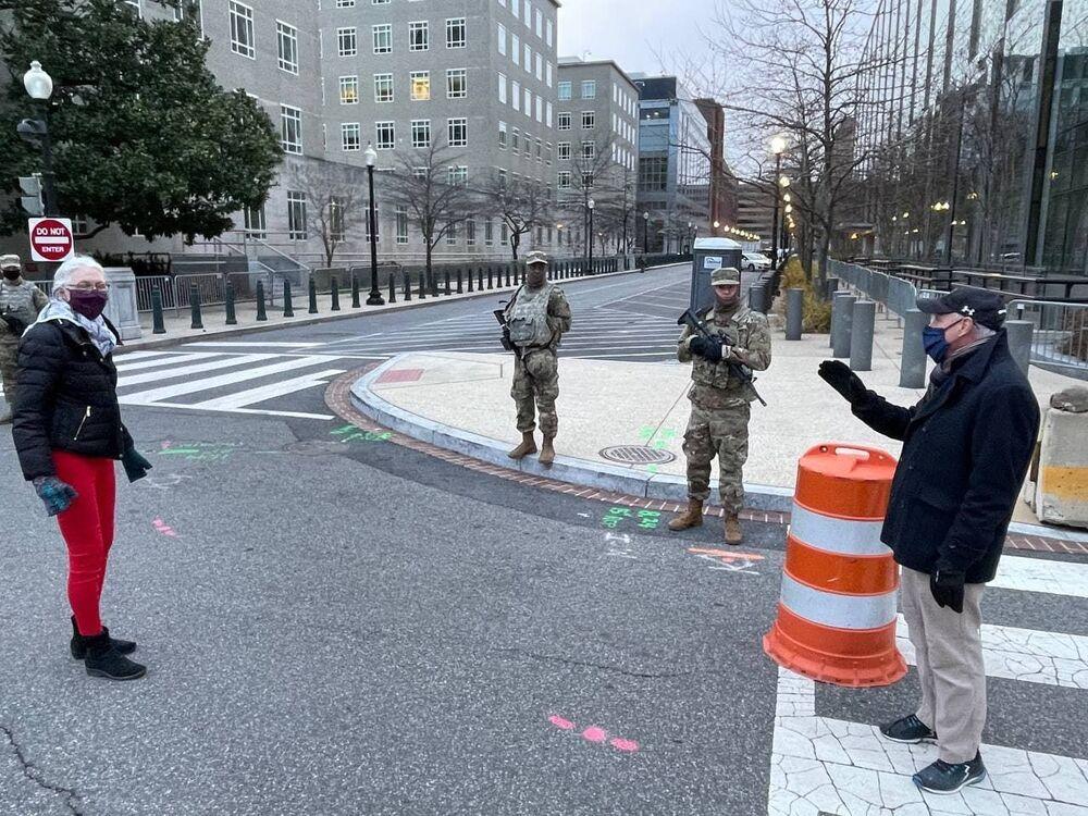 I militari delle truppe della Guardia Nazionale in vista dell'inaugurazione del presidente eletto Joe Biden a Washington, negli Stati Uniti