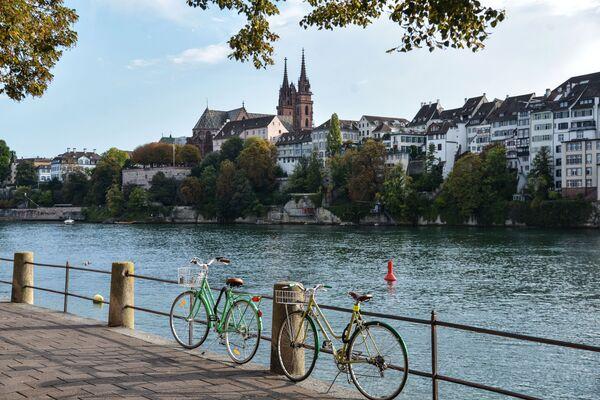 Basilea è una città sul fiume Reno nella parte nord-ovest della Svizzera, nei pressi dei confini con la Francia e la Germania - Sputnik Italia