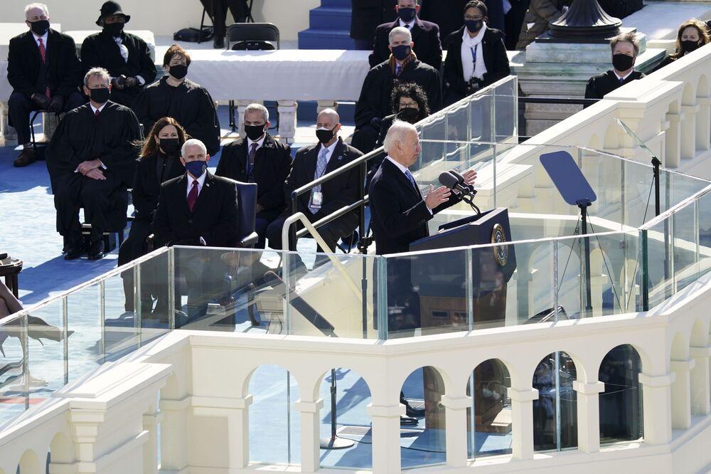 Joe Biden pronuncia un discorso durante la sua inaugurazione