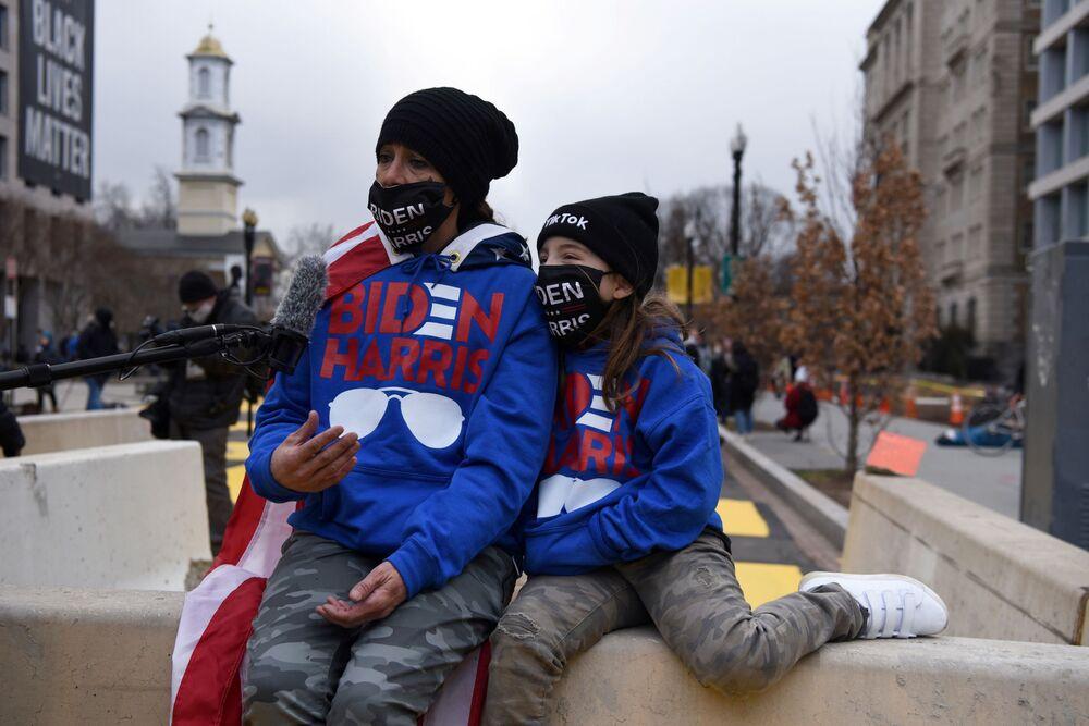 I sostenitori di Joe Biden per le strade a Washington