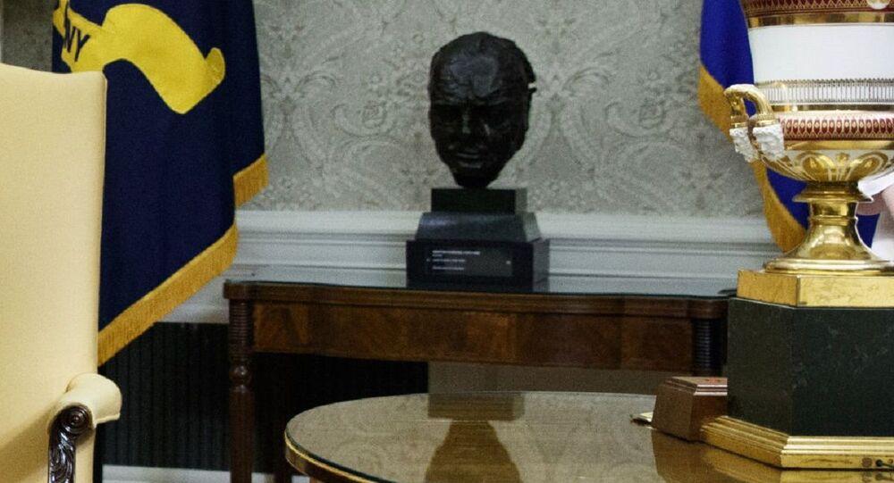 Busto di Winston Churchill nell'Ufficio Ovale