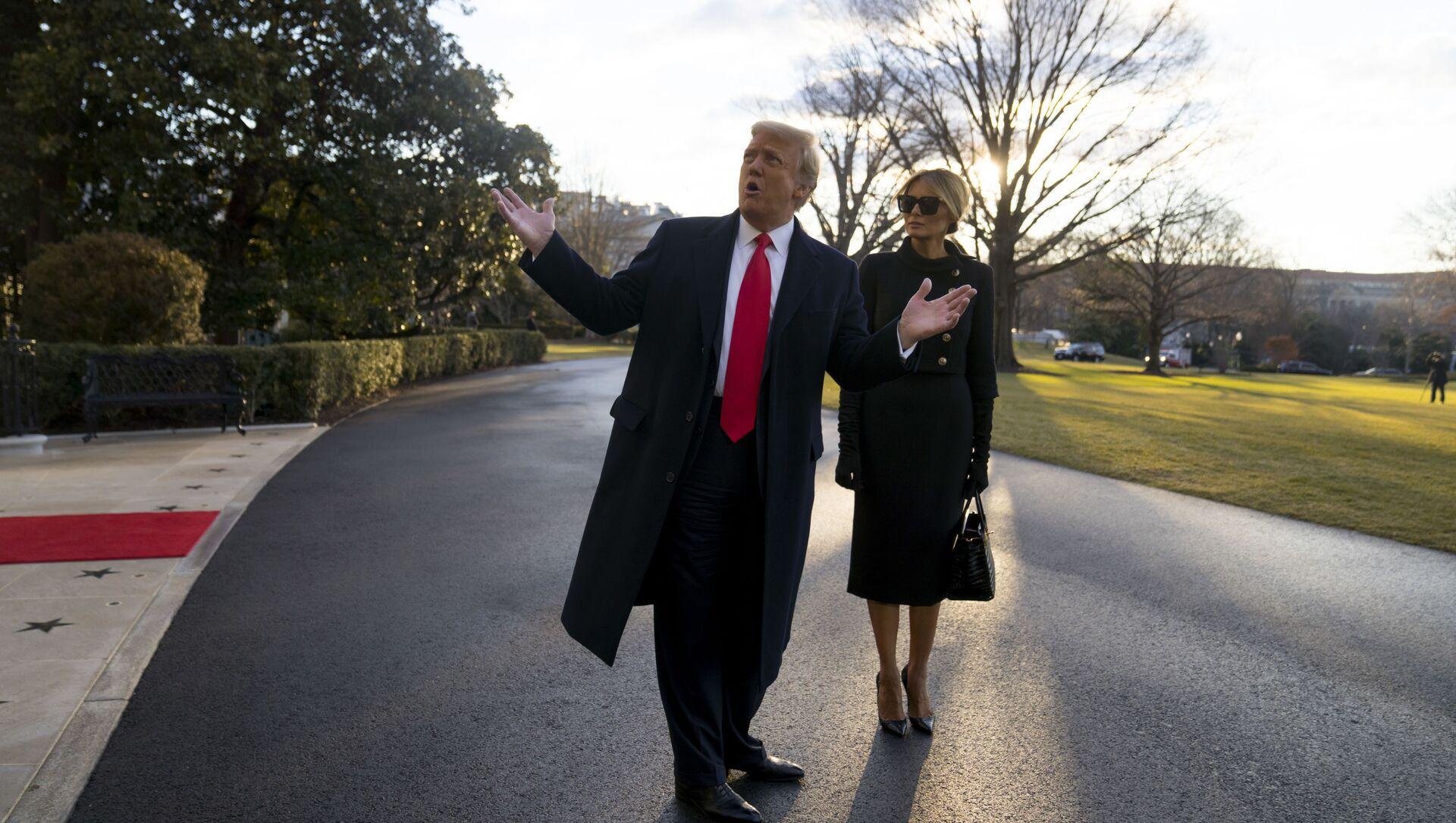 Дональд и Меланья Трамп покидают Белый дом - Sputnik Italia, 1920, 19.02.2021