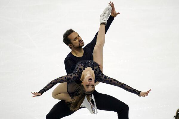 I pattinatori americani Molly Cesanek e Yehor Yehorov si esibiscono ai Campionati statunitensi di pattinaggio di figura a Las Vegas - Sputnik Italia