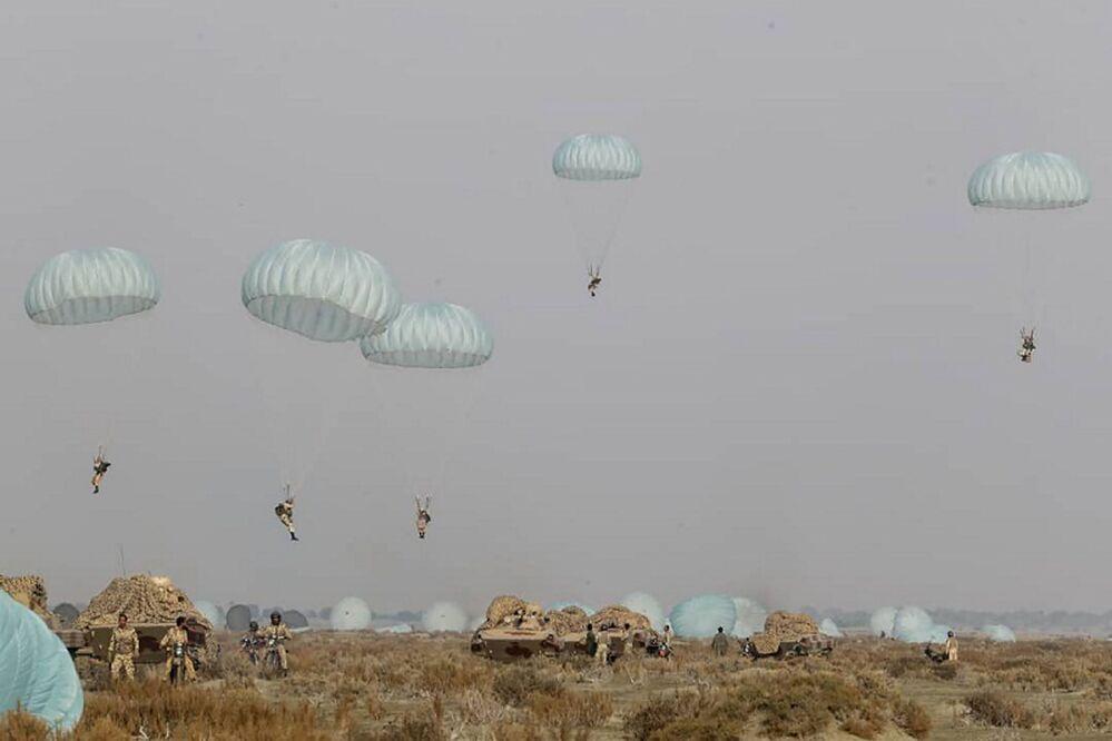 Esercitazioni militari in Iran