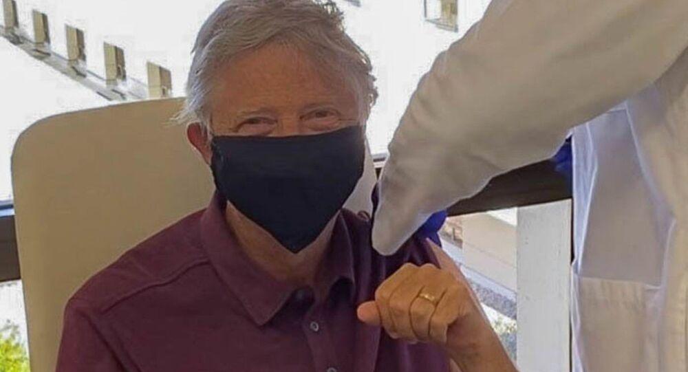 Bill Gates si è vaccinato contro il coronavirus