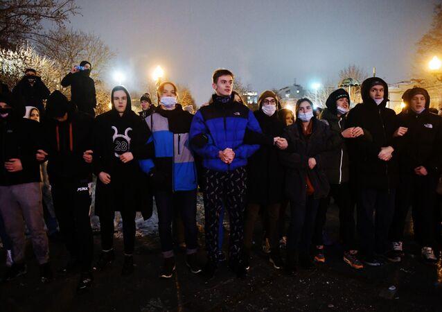 Partecipanti alle proteste non autorizzate a sostegno di Navalny