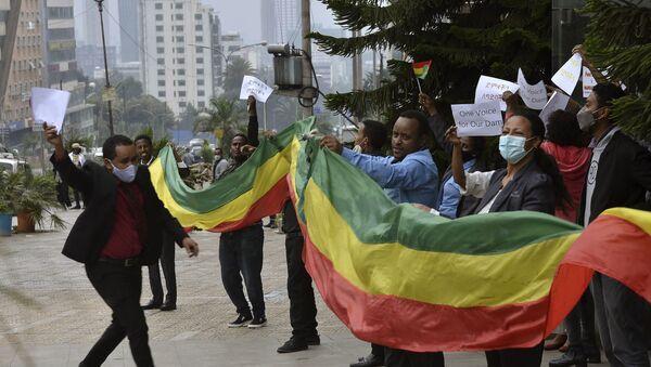 Gli etiopi celebrano la costruzione della grande diga della rinascita etiopica sul Nilo - Sputnik Italia