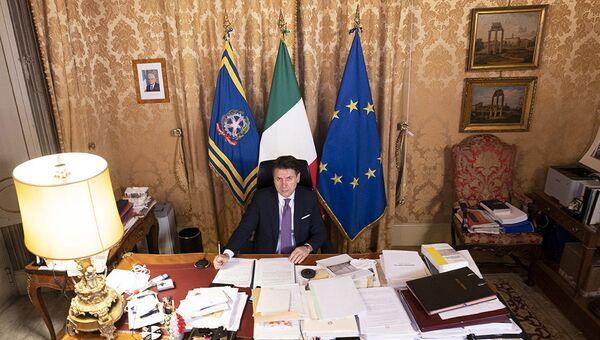 Giuseppe Conte a Palazzo Chigi - Sputnik Italia