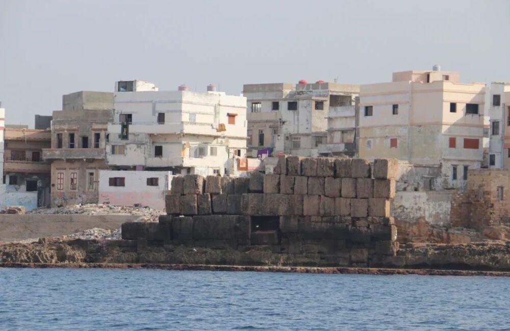 Oltre al porto, i ricercatori hanno trovato tre ancoraggi precedentemente sconosciuti e resti di diverse strutture idrotecniche, come pareti del molo.