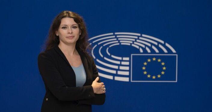 L'europarlamentare del Movimento Sabrina Pignedoli