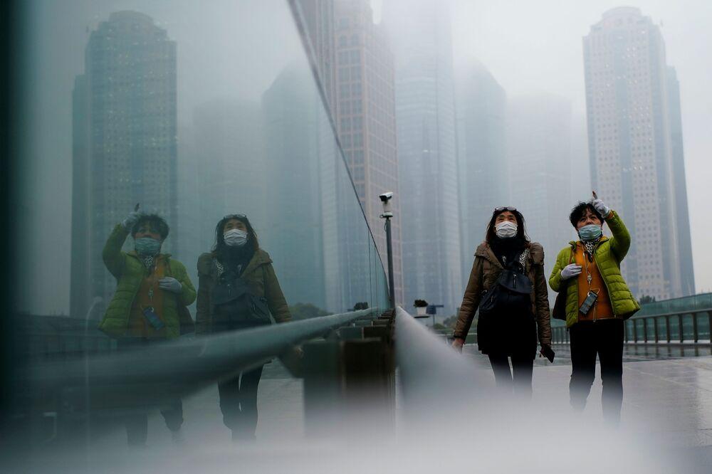 Le persone a Shanghai, in Cina