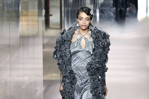 Milano Fashion Week 2021, la sfilata di Fendi Haute Couture Primavera/Estate 2021 - Sputnik Italia