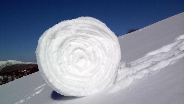 Rotolo di neve - Sputnik Italia