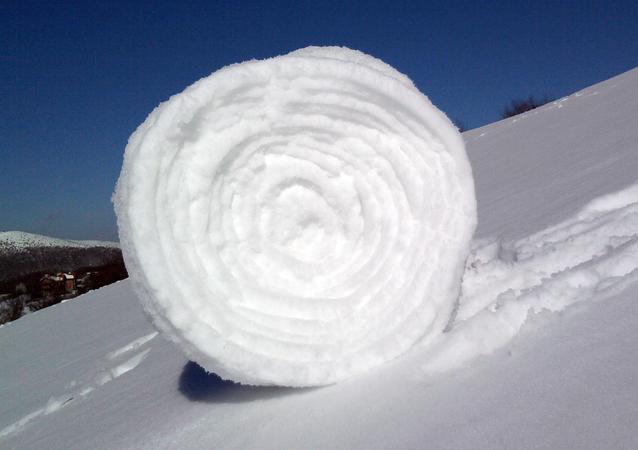 Un rollo de nieve, foto de archivo