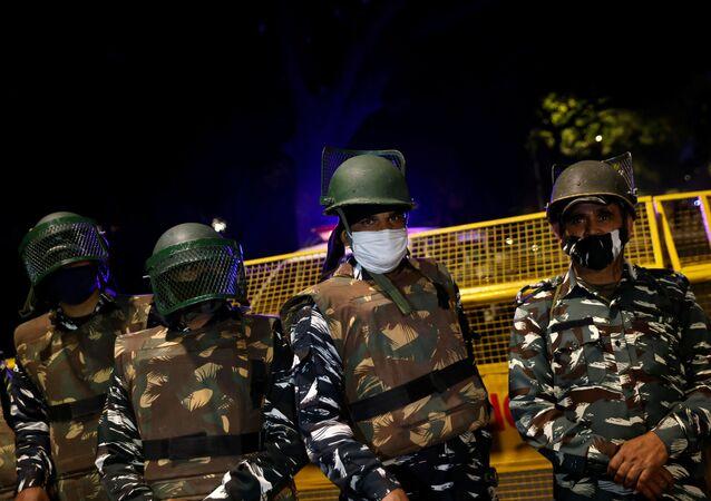 Polizia militare indiana a guardia dell'Ambasciata israeliana