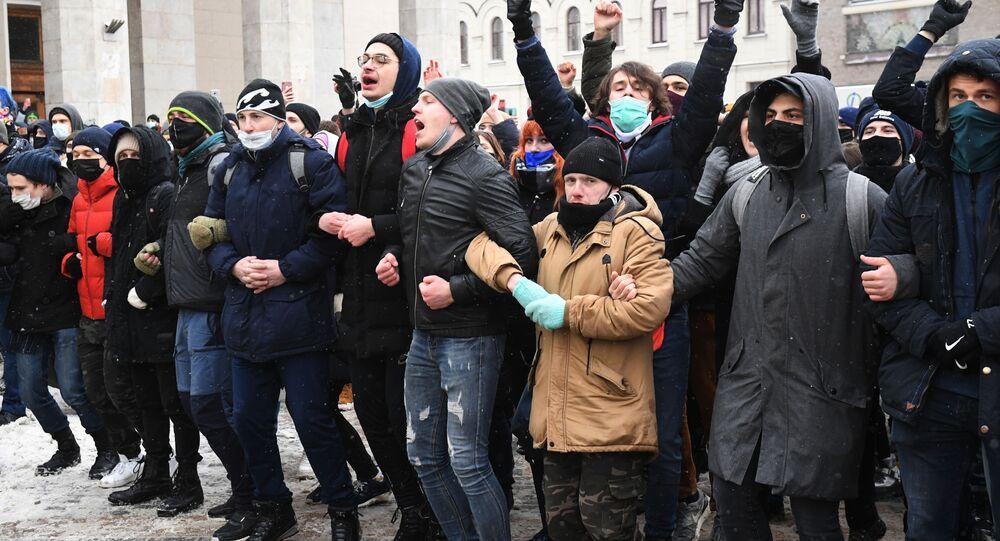 Partecipanti alle manifestazioni non autorizzate a sostegno di Navalny a Mosca
