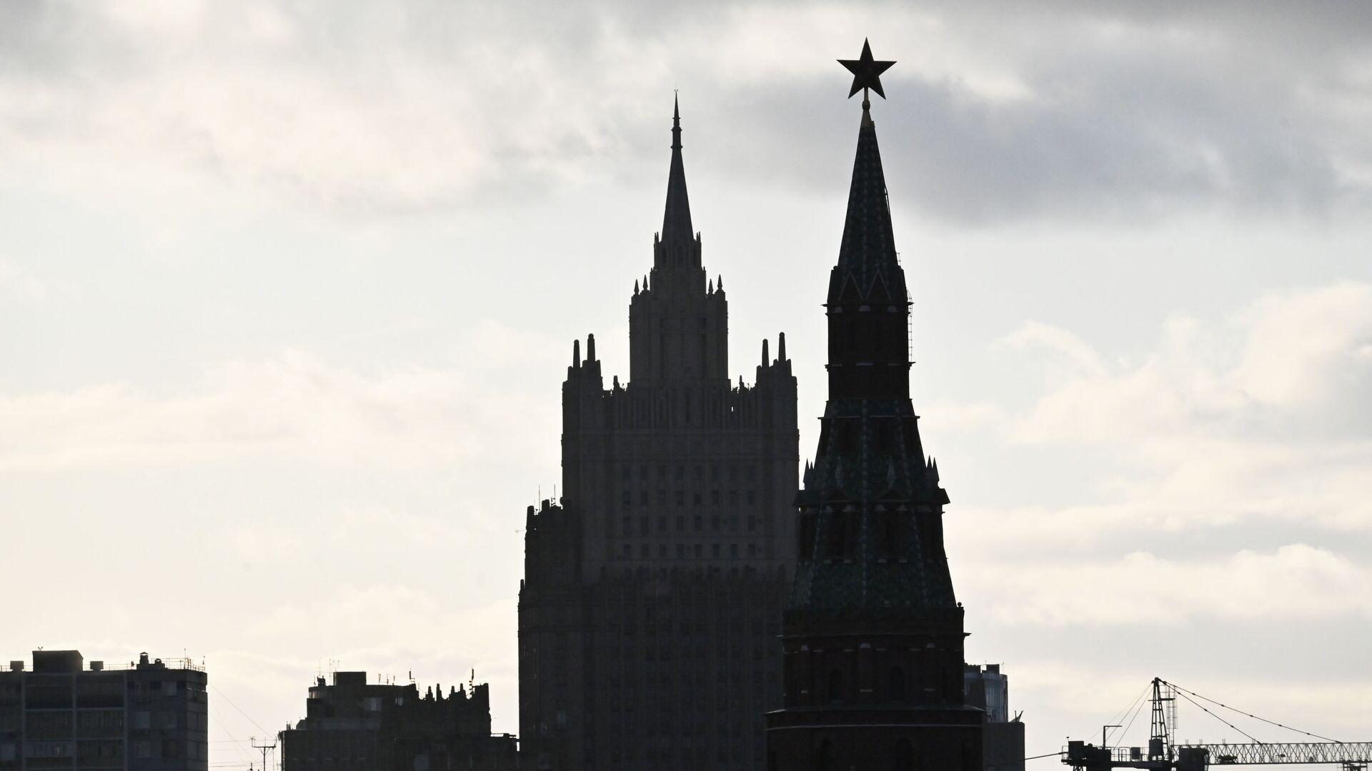 Vista su Cremlino e ministero degli Esteri russo - Sputnik Italia, 1920, 25.06.2021
