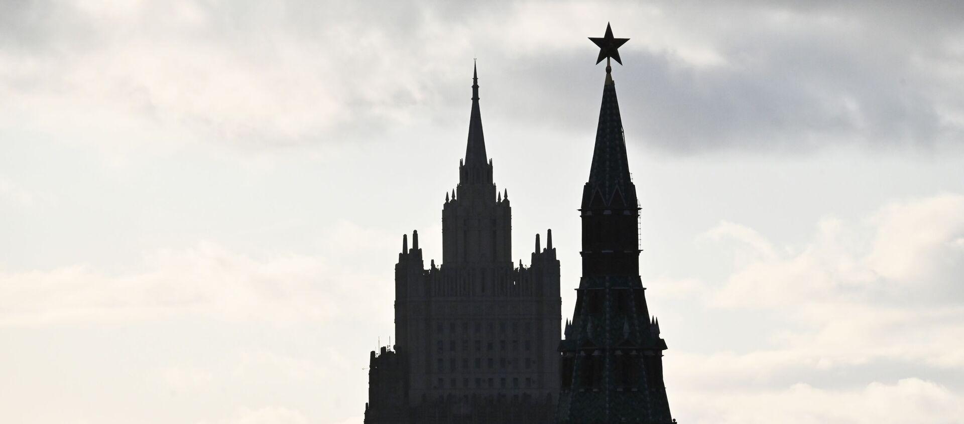 Vista su Cremlino e ministero degli Esteri russo - Sputnik Italia, 1920, 19.04.2021