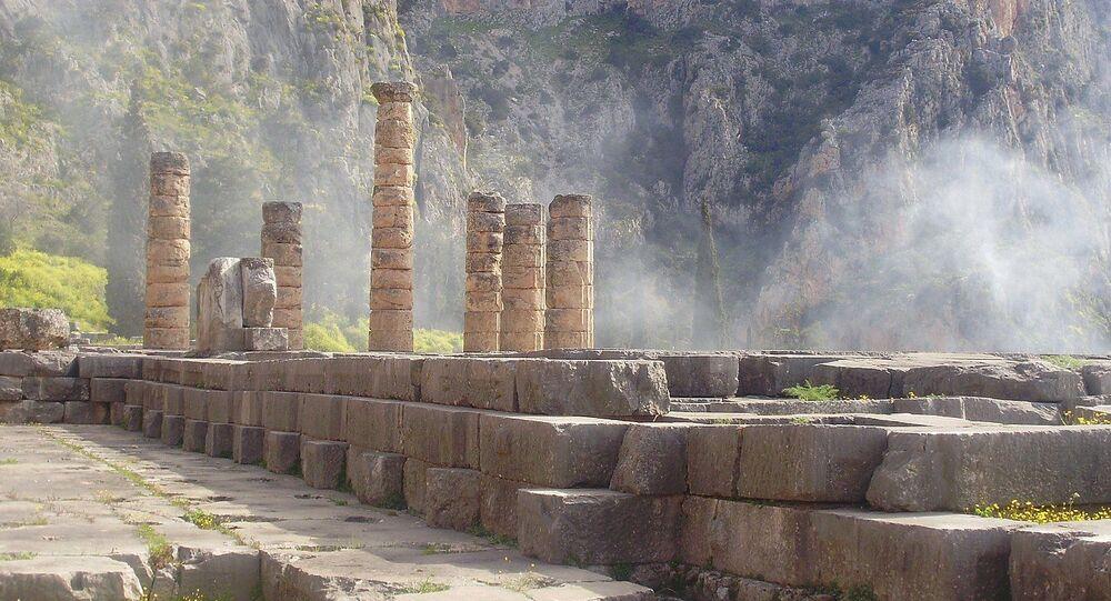Rovine del Tempio di Apollo a Delfi