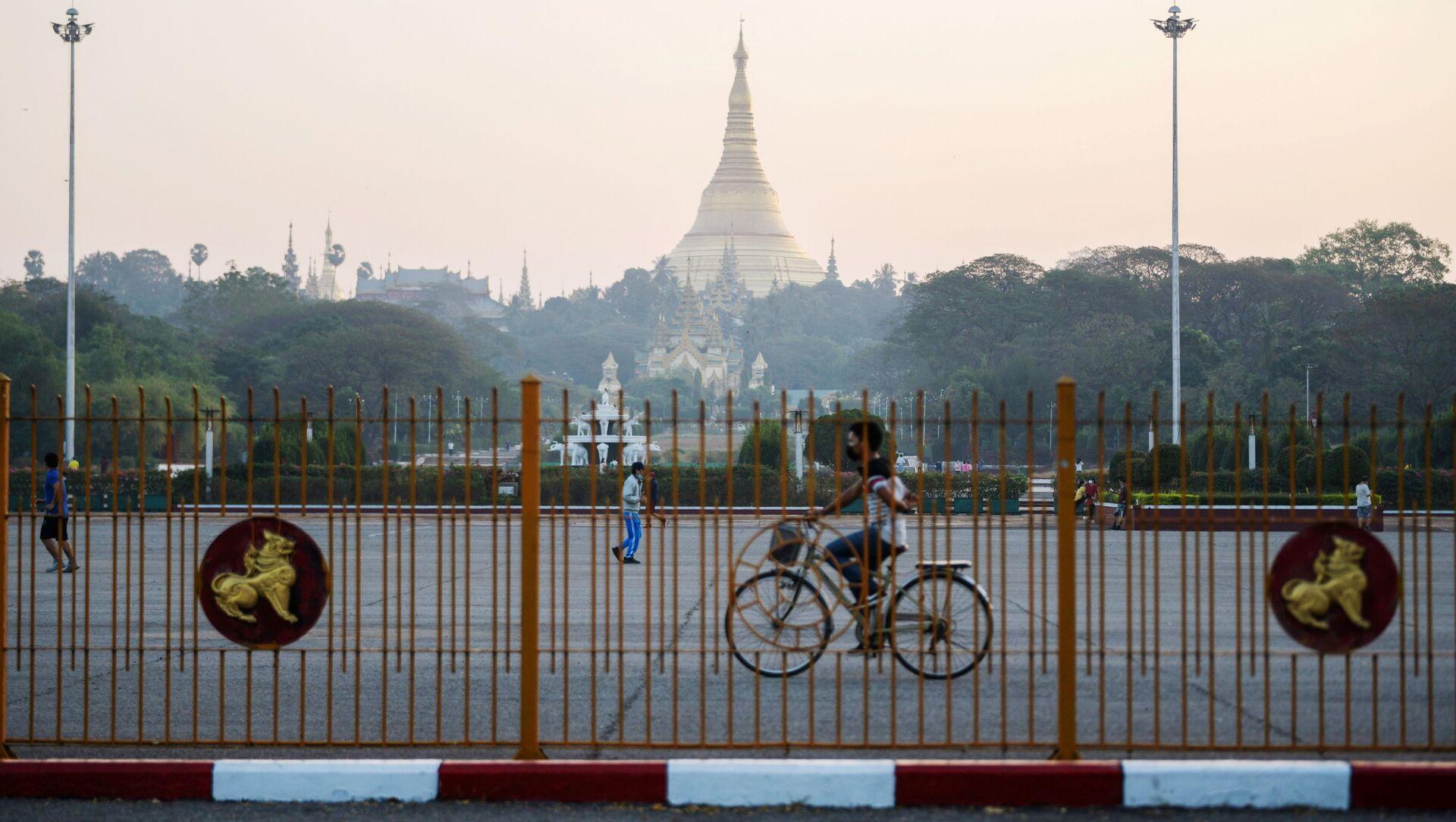 La Shwedagon Pagoda di Yangon è il sito buddhista più sacro del Myanmar - Sputnik Italia, 1920, 03.02.2021