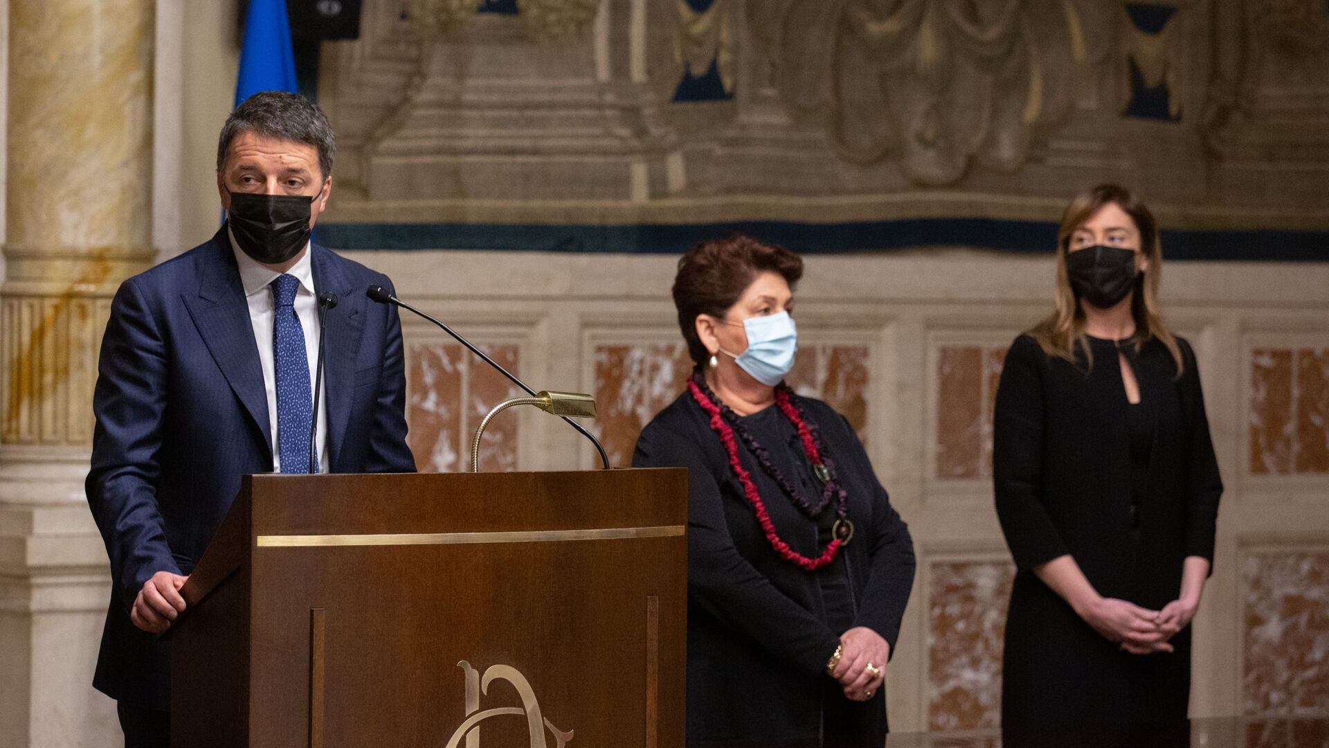 Matteo Renzi al termine delle consultazioni con Roberto Fico - Sputnik Italia, 1920, 02.02.2021