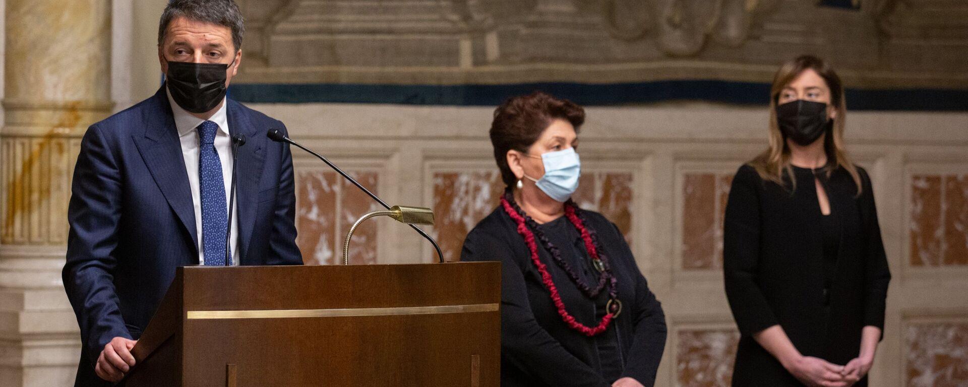 Matteo Renzi al termine delle consultazioni con Roberto Fico - Sputnik Italia, 1920, 19.04.2021