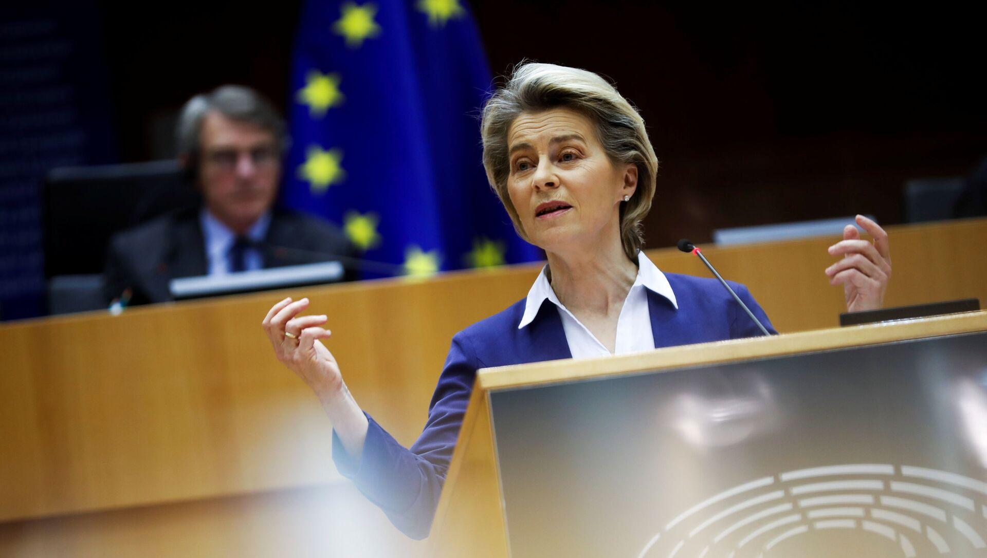 La presidente della Commissione Europea, Ursula von der Leyen - Sputnik Italia, 1920, 02.02.2021